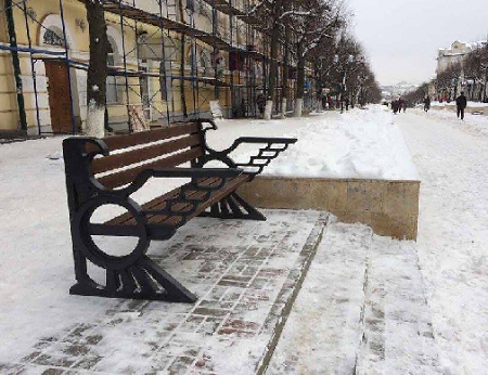 ВОрле установили скамейку ссимволом нацисткой Германии