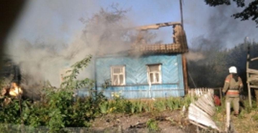 ВОрловском районе впожаре вжилом доме умер мужчина